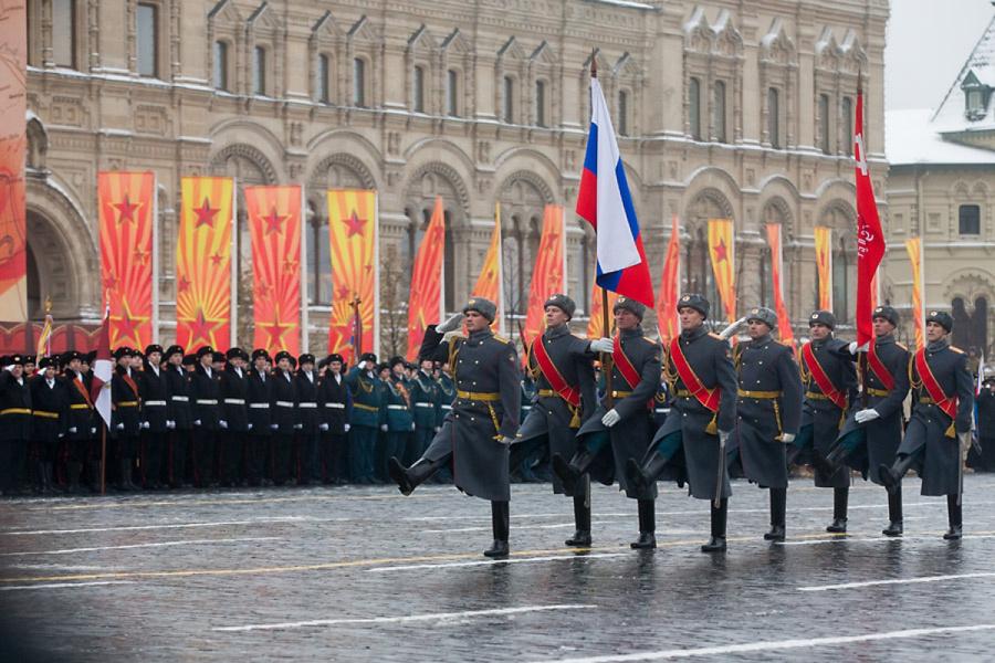 должен поздравить с днем российской гвардии это очень